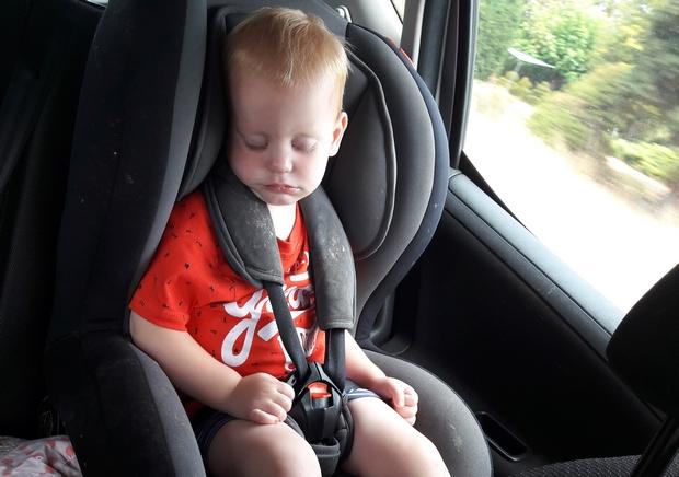 slapen in de auto